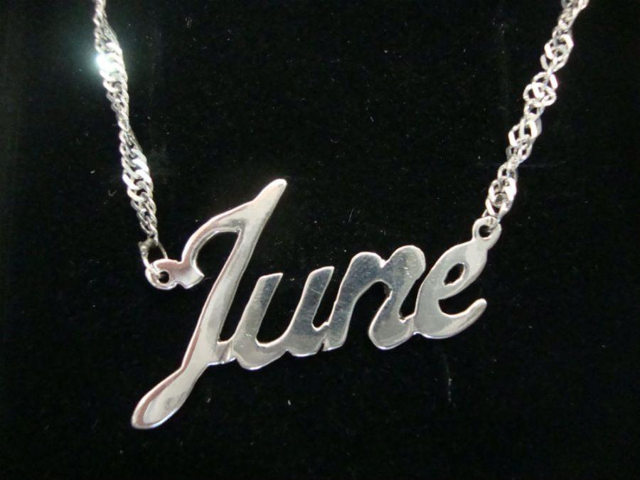 Nombre en plata June